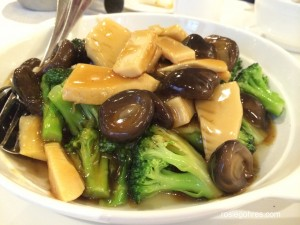 Stir fry vegetable with mushrooms and bamboo shoots