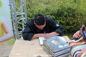 Danny Jansen signing book
